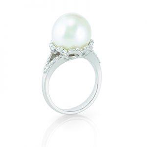 Bennion Jewelers has many beautiful pearl jewelry options