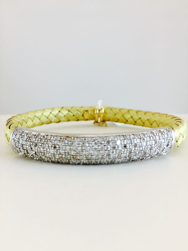 bangle - yellow gold - pave diamond