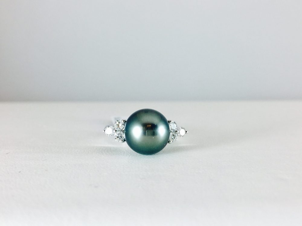 Ring with a pearl