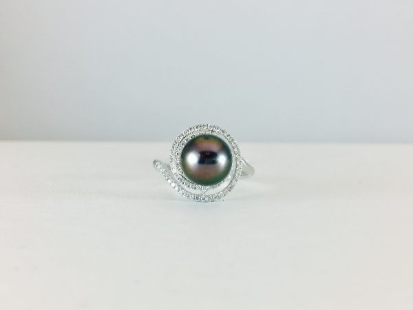 Unique pearl ring