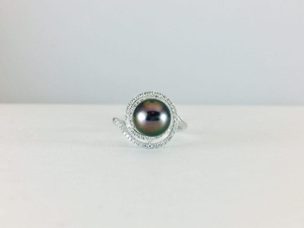 Unique pearl ring