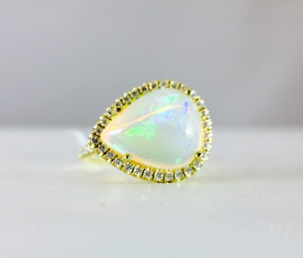 18k yellow gold - pearl shape opal ring