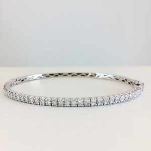 white gold - diamond - bangle