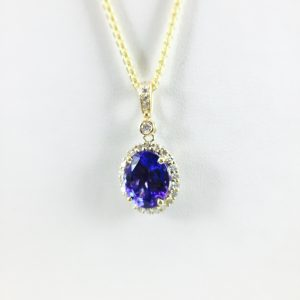 Gold - Oval Pendant - Tanzanite and Diamond