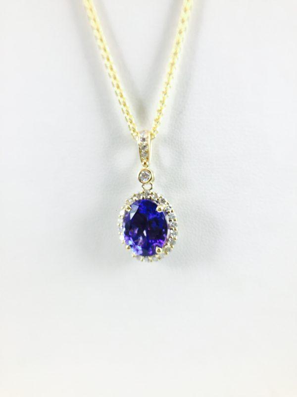 Gold - Oval Pendant - Tanzanite and Diamond