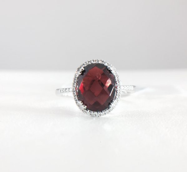Diamond ring - Garnet