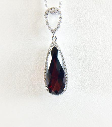 Bennion Jewelers has many Garnet options