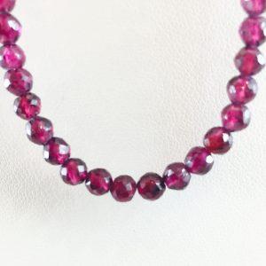 beads - garnet