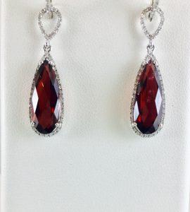 Diamonds and Garnet are a classic combination
