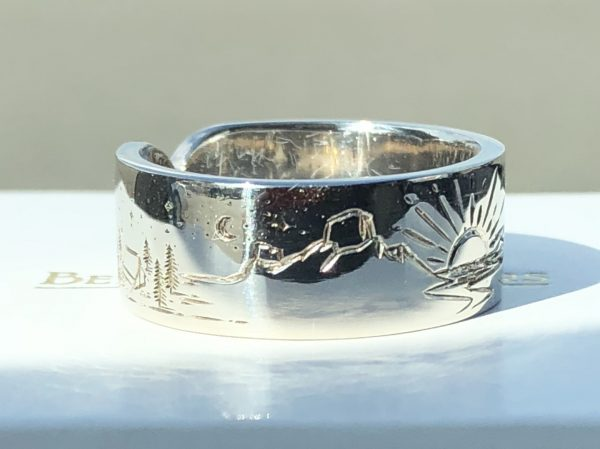 Mountain scene - Engraved - Ring